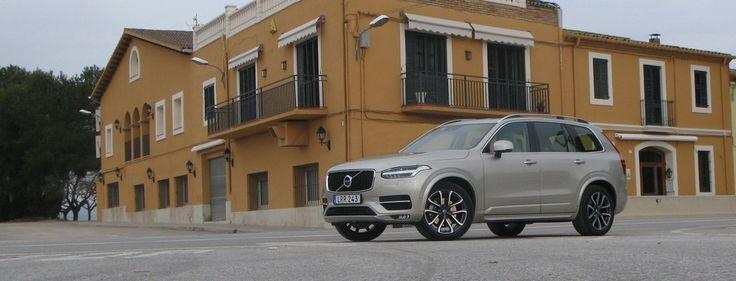 Hiába, no, a Volvo az egy jó kis svéd autó - biztonságos és jól megy http://www.vezess.hu/teszt/volvo-xc90-2015/58537/