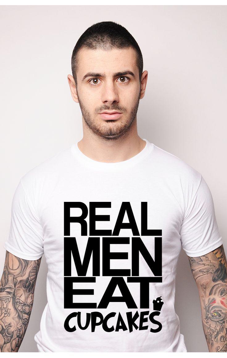Bărbaț' reali consumează chec! #tricou #ruvix  Consumă și tu un tricou #ruvix aici -> http://ruvix.ro/produs/tricou-real-men-eat-cupcakes/