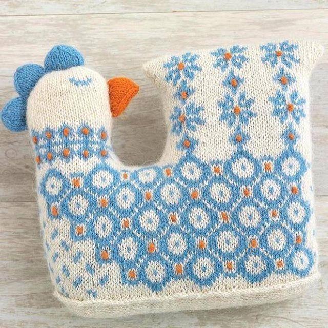 Güzel örgü örenlere #fikir olsun #çocukodası #yastık #tavuk #mavi #yün #knitting #crochet #pillow #almofadas #chickens #chicken #chick 💙🐣🐥