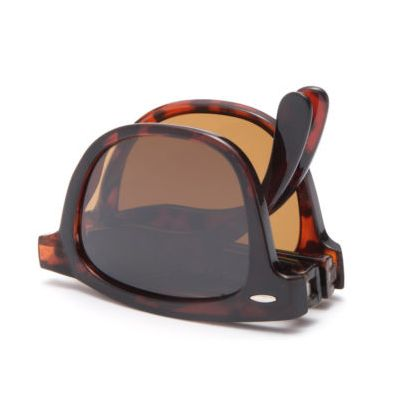 For the Ray-Ban Tortoise Folding Wayfarer Sunglasses