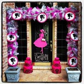 Prettify Your Life: Episode 125: Barbie Doorscape for my Mom!