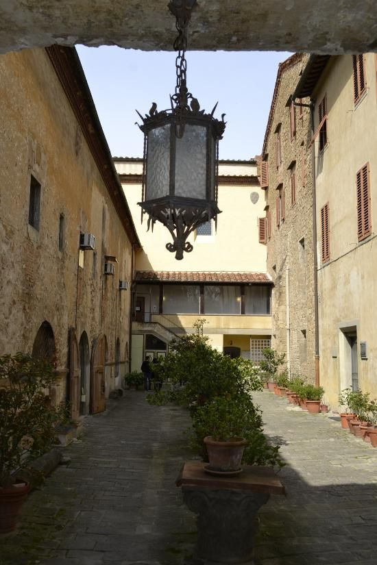 Школа кожи в... церкви Санта Кроче - отзыв о Scuola del Cuoio, Флоренция, Италия - TripAdvisor