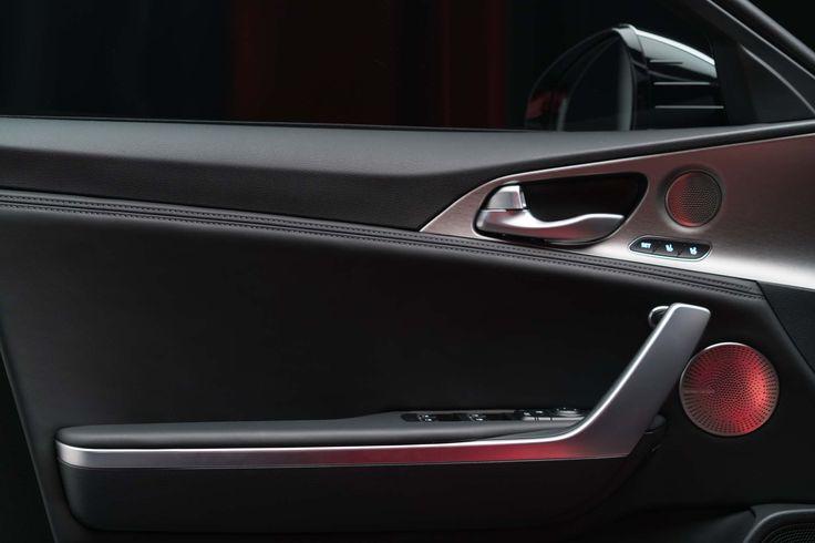 2018-Kia-Stinger-GT-interior-door-panel.jpg (2039×1360)