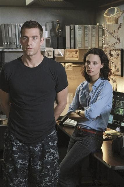 Still of Scott Speedman and Camille De Pazzis in Last Resort