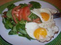 Špenátový salát s vejcem