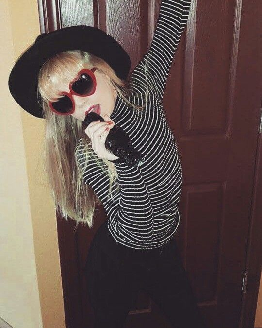 Easy DIY Taylor Swift Costume More