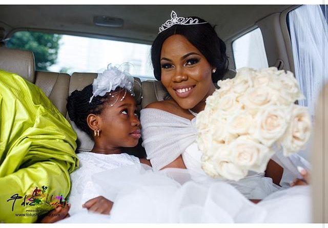 Bride and little bride   📸: Tolu Sholanke (We Just Got Back)   www.loveweddingsng.com