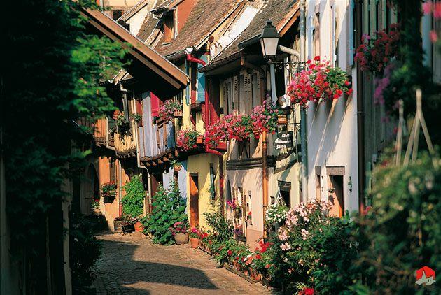 Eguisheim | Les plus beaux villages de France - Site officiel
