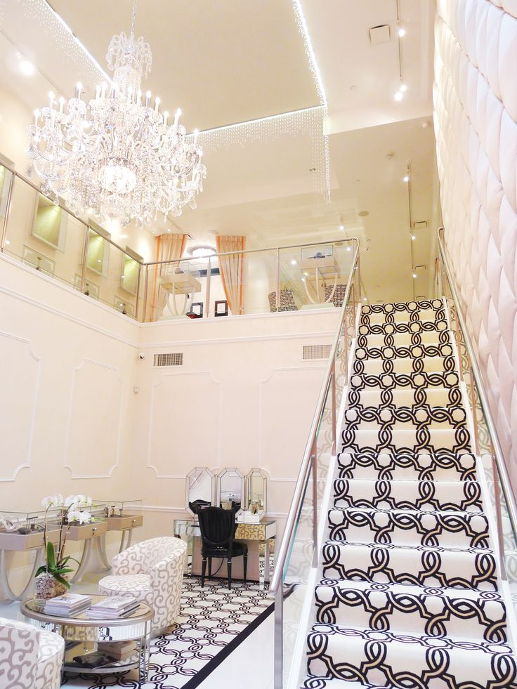 Stunning.    Ivanka Trump flagship store in Soho.  Inspiration for any spa or salon owner. So posh, beautiful and relaxing!!! xoxo Beautylove Aprons