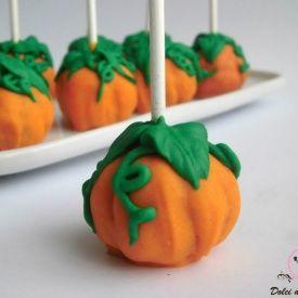 Cake pops a forma di zucca. Condivisa da: http://blog.giallozafferano.it/mieidolcidasogno