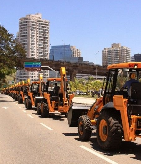 JCB has won a massive order for more than 1,000 of its iconic backhoe loaders in a deal which is designed to transform the rural economy of Brazil.