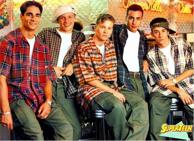 Flannel tees/ Plaid short-sleeve shirts. | 32 Regrettable '90s Guys Fashion Trends
