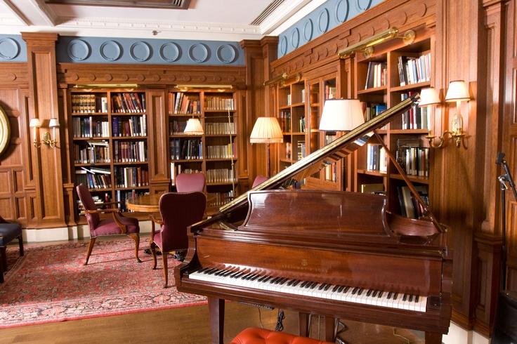 Franklin Living Room - West