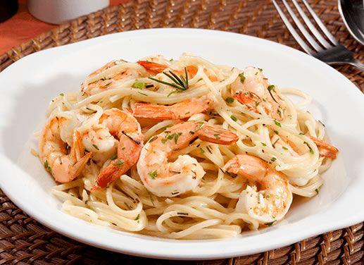 Receta de Espaguetti con camarones y vino blanco en TQMA de Pronaca