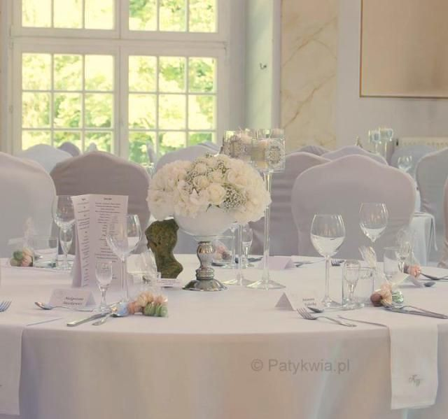 11. Roman Wedding,White silver centerpieces / Rzymskie wesele,Biała dekoracja stołów,Anioły Przyjęć ,