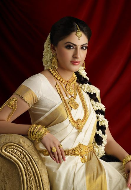 #South_Indian Bride, with Temple #Jewellery, Just gorgeous