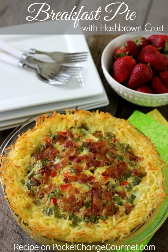 Breakfast Pie with Hashbrown Crust - whether you serve this Breakfast Pie for breakfast or dinner, it's sure to be a hit!