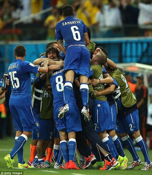 Momenti di gioia per l'Italia!#Collistar #mondiali #worldleague #2014 #calcio #soccer #tifoitaliaconCollistar #brasile #Italy #Italia