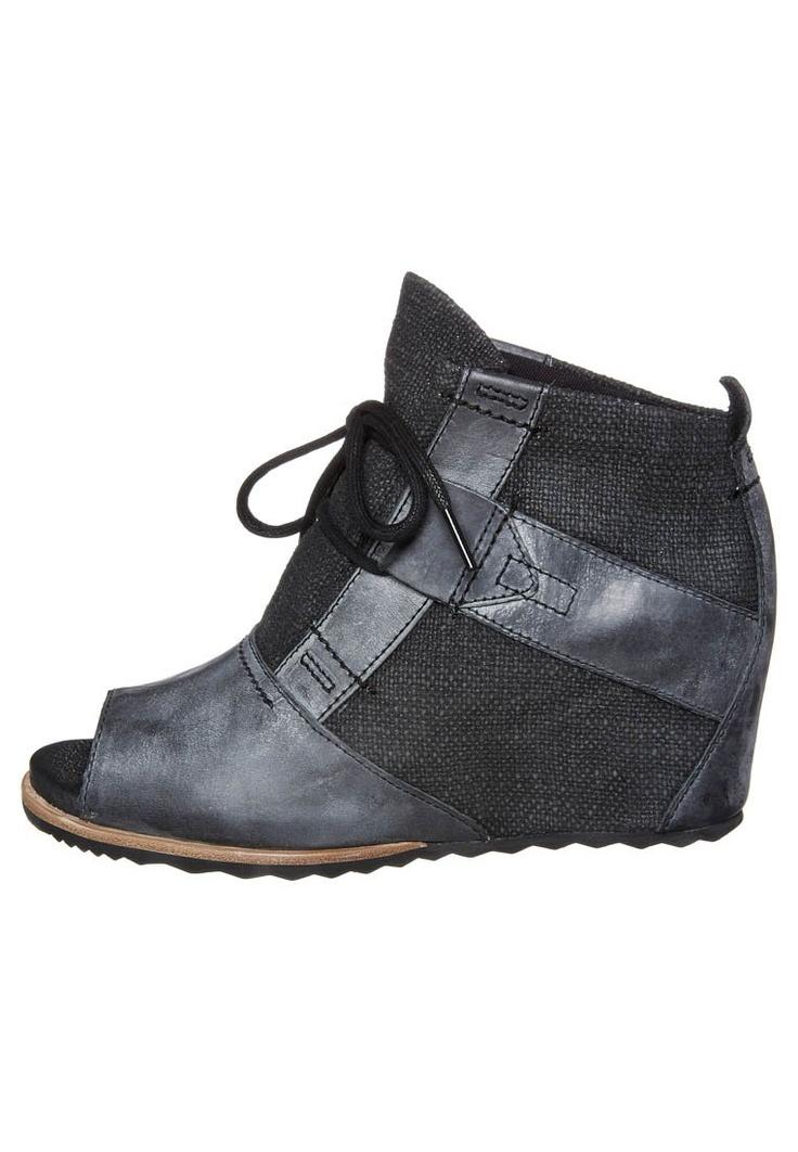 Sorel - Sandalen met schacht - Zwart