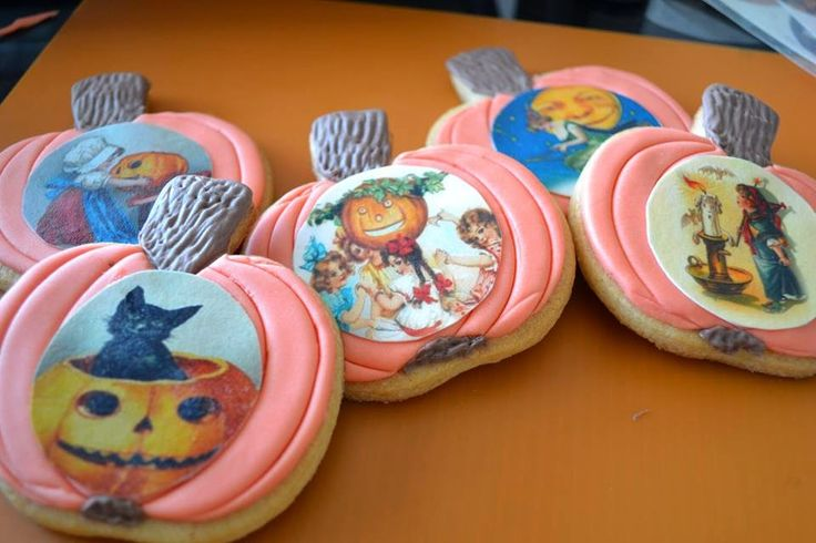 Como os prometí, aquí tenéis el paso a paso de las galletas Halloween: No todas las galletas de Halloween tienen que ser escalofriantes......