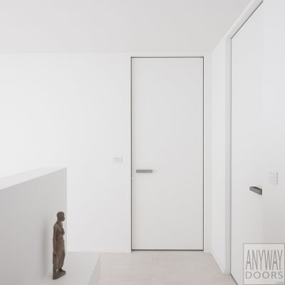 Witte hoge binnendeuren zonder zichtbare omlijsting op maat