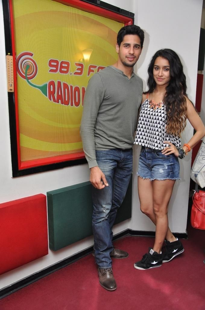 Sidharth, Shraddha Get Goofy At Radio Mirchi