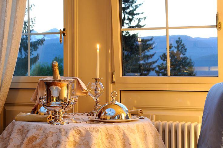 sempre nella nostra Top  Suite Orsa Minor .. iniziamo con una cena romantica servita in camera .....