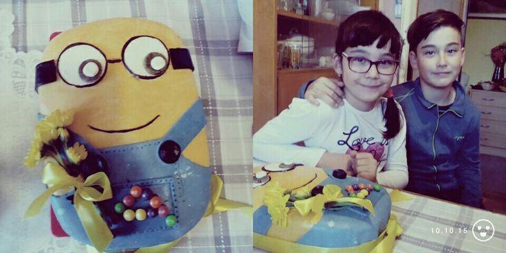 Anicka minion cake