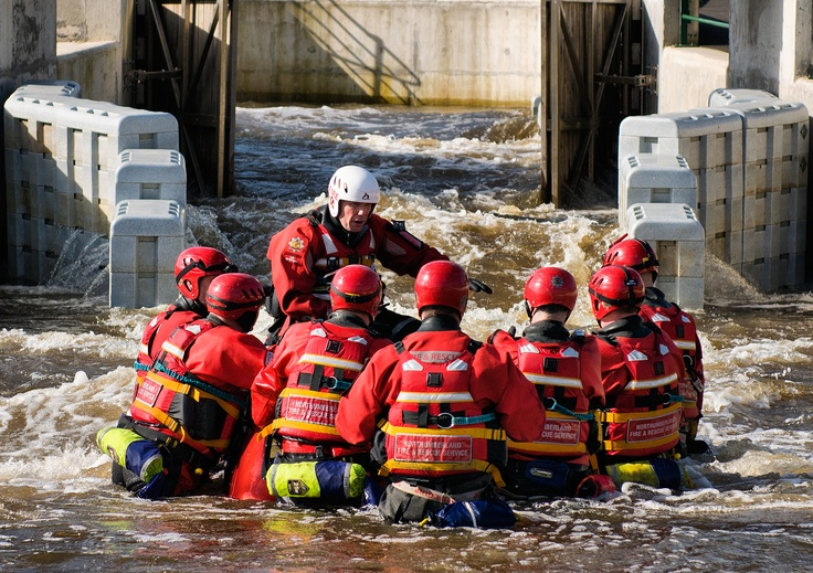 Vehicle in Water Rescue Training Tees Barrage International White Water Centre 2012