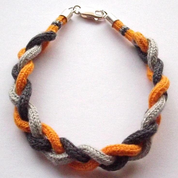 Triple Braiding Bracelet/Pulsera triple trenzada