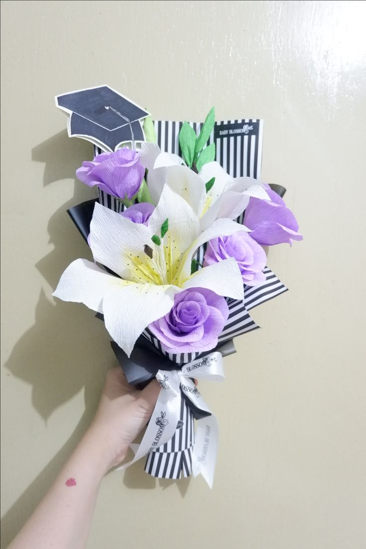 Graduation crepe paper flower bouquet by Baby Blossom Instagram @bungakertas_jakarta Personal IG @sheilasicilia #crepepaperflower #italiancrepe