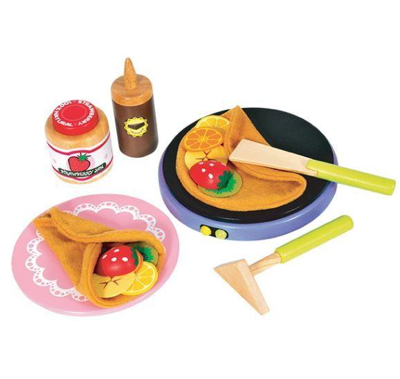 Pannenkoekenbakset   Uw kind kan hier naar hartelust zijn eigen pannekoeken bakken. Ze kunnen er (stoffen) schijfjes banaan, sinaasappel, kiwi en citroen op doen of halve houten aardbeitjes.  Eet smakelijk.  Diameter bakplaat 17cm.