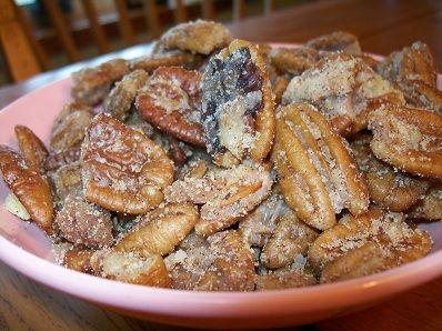 Crock-Pot Sugared Pecans 1 16 Ounce Bag Pecan Halves 1/2 Cup Butter 1/2 Cup Powdered Sugar 1 1/2 Teaspoons Cinnamon, ground 1/4 Teaspoon Ground Cloves 1/4 Teaspoon Ground Ginger