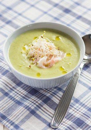 Här tipsar jag om en väldigt goda och vegetariska linssoppa men en klick timjansmakande crème fraiche. Snabblagad är den också. Vad mer kan man önska?