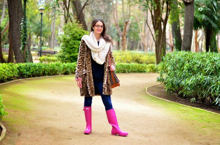 Abrigo de leopardo y botas Hunter rosas