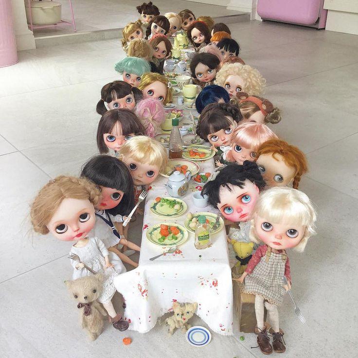 """Dinner time in our house is a very big affair!!!!"" #erregirodolls #vainilladolly #superbonboniere"