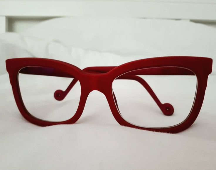 Burgundy perfection - Lou Doe on it's way to the lovely Maarit #kokosom #eywear #3dprinting #autumncolors