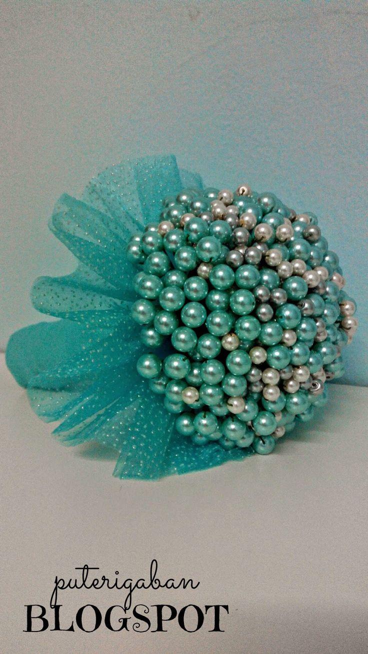 Nursaila Norman: Pearl Hand Bouquet : Bride 2 Be Serdang