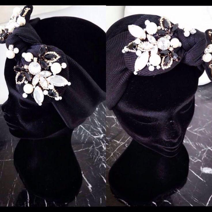 Fasce ricamate a gioiello......handmade....personalizzabile nel colore e nel ricamo!!! Info saeiva@hotmail.it