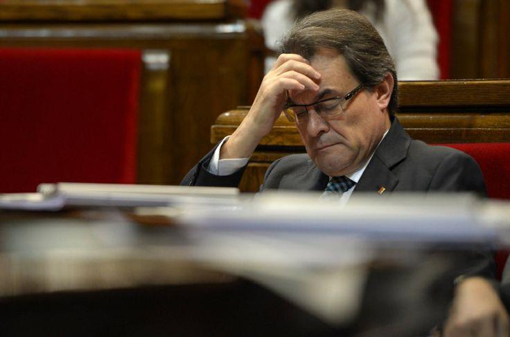 """Katalonien: Unabhängigkeitserklärung verfassungswidrig - Ausland - FAZ, 26.03.2014. Die katalanische Regierung will trotz des Urteils des spanischen Verfassungsgerichts gegen ein für den 9. November geplantes Referendum ihren Unabhängigkeitskurs beibehalten. Der katalanische Regierungssprecher Francesc Homs sagte in einer ersten Reaktion, der Spruch habe """"keinerlei Effekt"""". Er fügte hinzu: """"Wir sind absolut entschlossen, mit dem, was die Souveränitätserklärung postuliert, weiter…"""