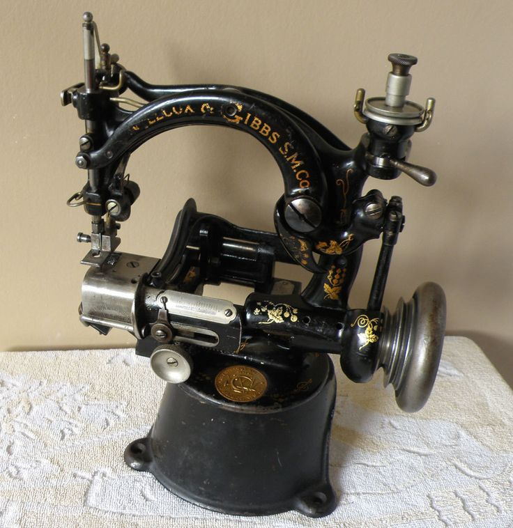 CAST IRON WILLCOX & GIBBS ANTIQUE SEWING MACHINE MINIATURE CHAIN STITCH 1800'S