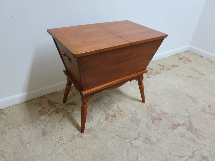 Tell City Maple Andover Dough Box Lamp End Table Chest Trunk Maple Cabinet