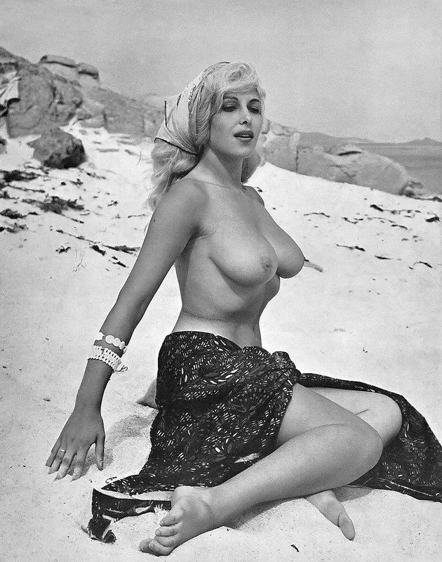 156 best pin ups images on pinterest | pinup, bettie page and boobs