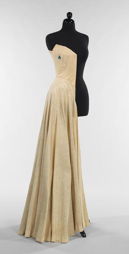 Charles James: Half-sewn muslin (2009.300.742) | Heilbrunn Timeline of Art History | The Metropolitan Museum of Art