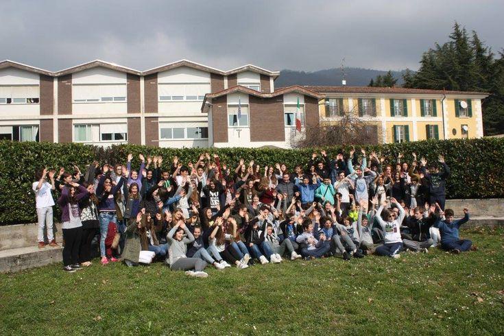 Fotogallery visita ragazzi di un college francese alla scuola Venturelli - http://www.gussagonews.it/fotogallery-visita-ragazzi-college-francese-scuola-venturelli-marzo-2016/