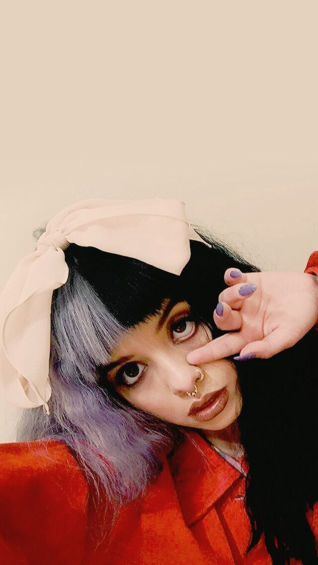 Queen Melanie follow:•onyx• @pinterest