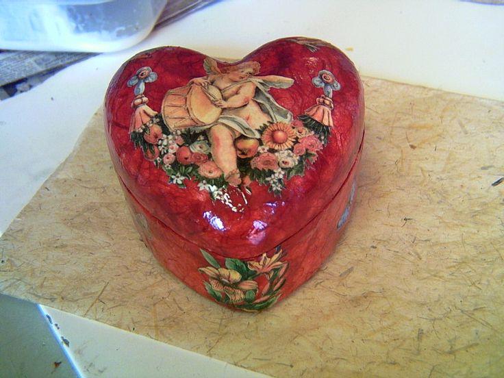 scatola cuore con amorini (polistirolo)