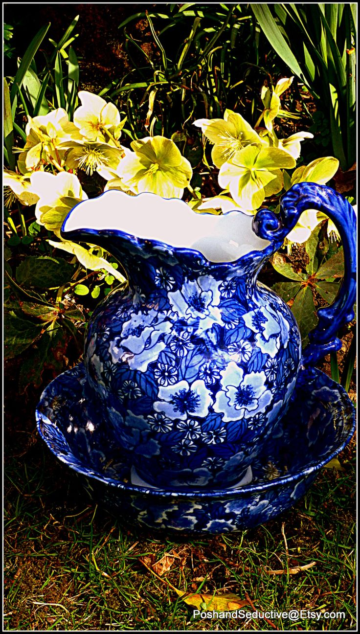 Antique Victorian (circa 1870) Regency Iron Stone blue and white floral pattern…