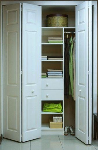 El Closet Colonial cuenta con puertas de tableros moldeadas de fibra de madera de alta densidad, duraderas y de calidad. #SuClosetNuestraPasión
