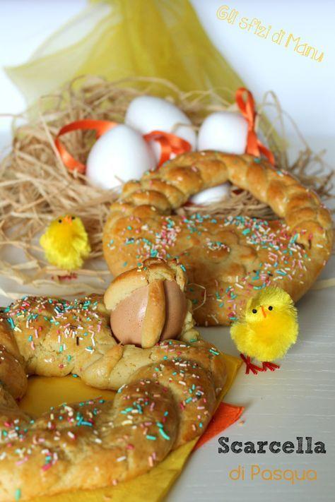 Scarcella di Pasqua, il dolce tipico della zona di Bari in questo periodo di festa. E' una specie di grande biscotto a base di pasta frolla senza burro, dalle forme più disparate: ciambella intrecciata, cestino, colomba ecc.